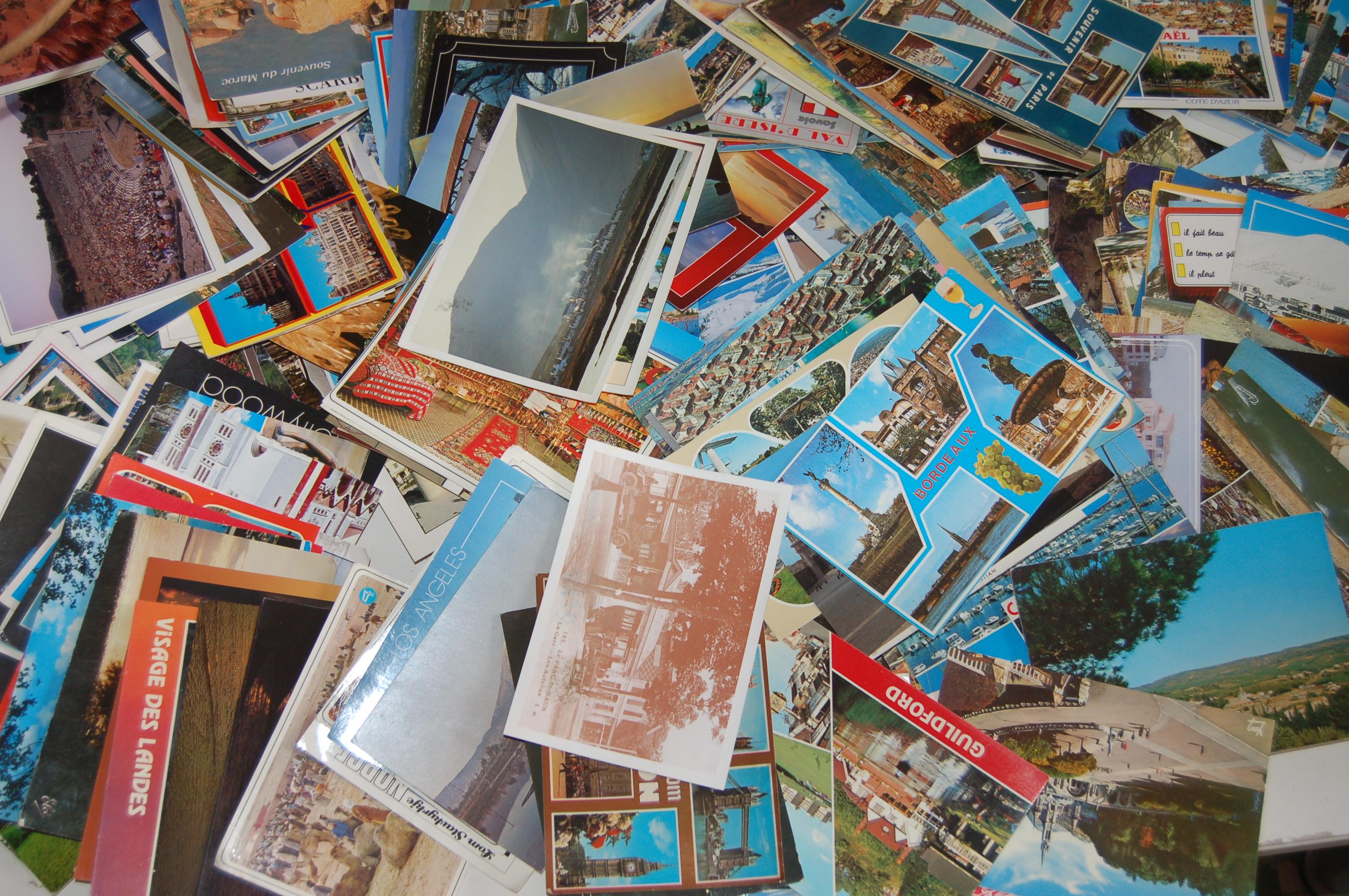 la petite collection de cartes postales. Black Bedroom Furniture Sets. Home Design Ideas