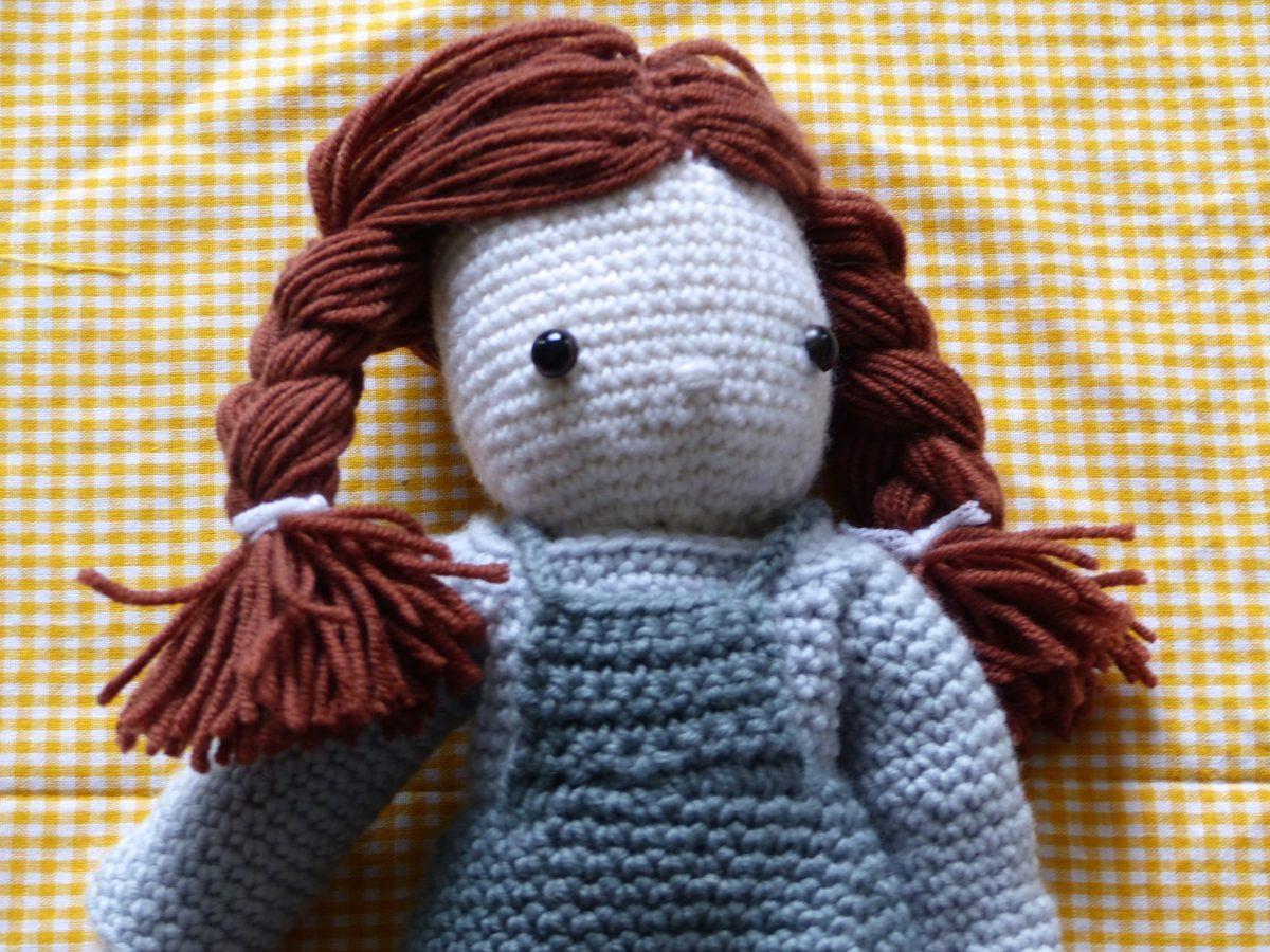 poupée au crochet