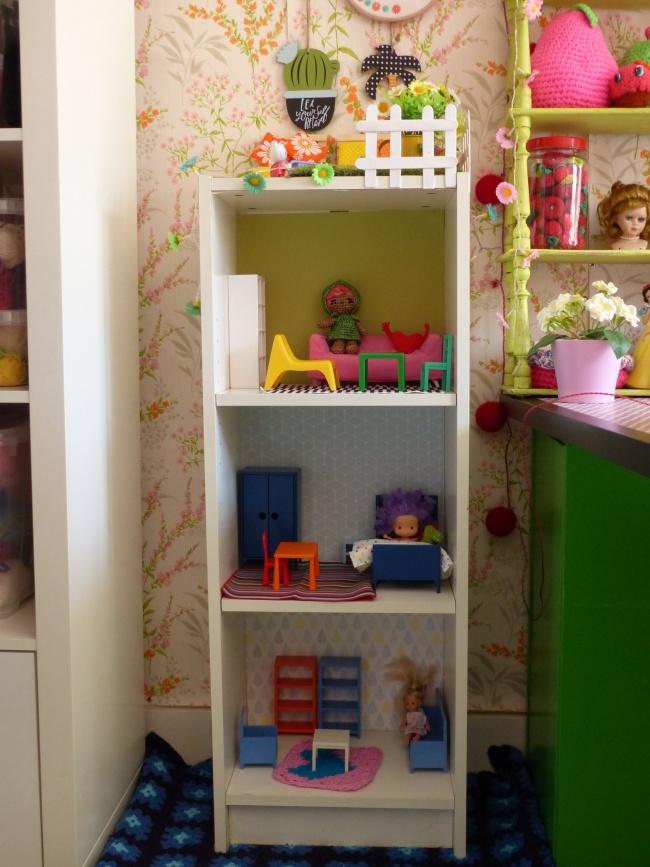 ikea hack diy d 39 une maison de poup e la phanette aux petits pois. Black Bedroom Furniture Sets. Home Design Ideas