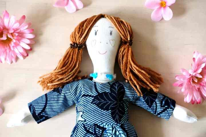 robe de poupée